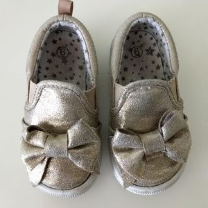 Other - Toddler girls 6, pull-on gold glitter play shoes